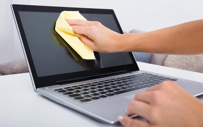 Vệ sinh laptop tại nhà thế nào cho đúng cách?